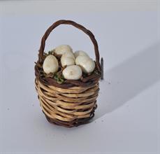 Lotto 126 - Cesto con uova