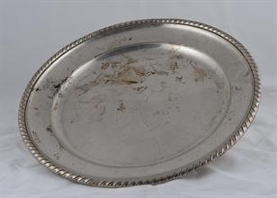 Lotto 13 - Vassoio in argento