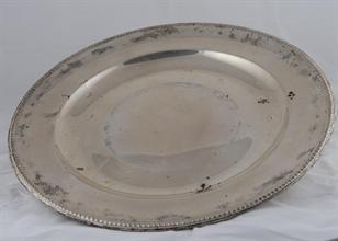 Lotto 16 - Vassoio in argento